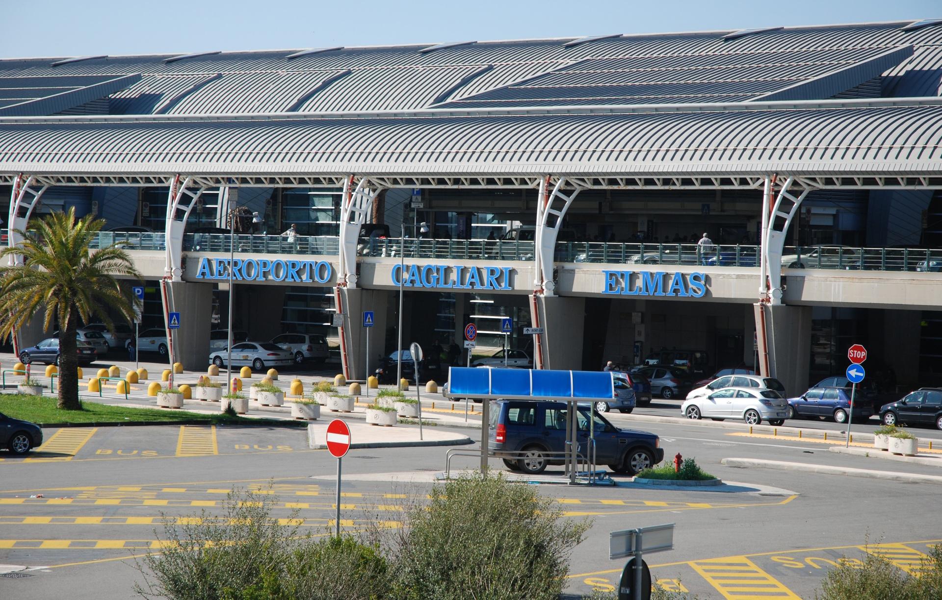 Cagliari Aeroporto di Elmas Esterno